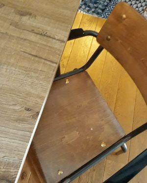 student barkruk en stoel