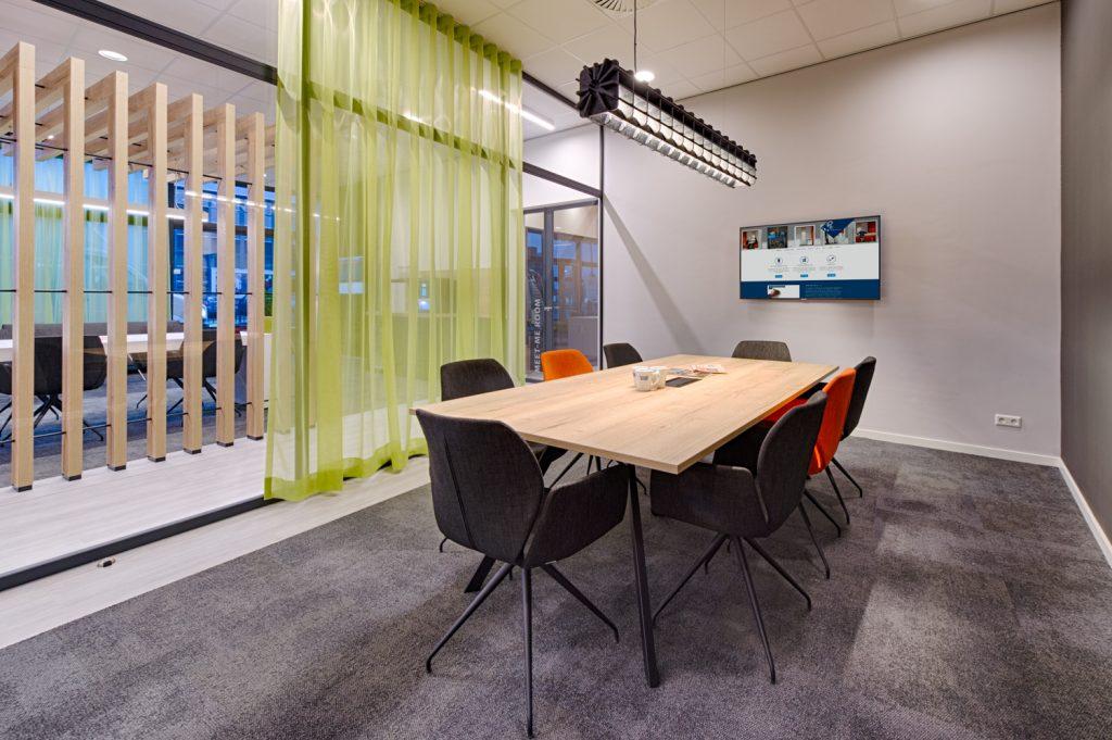 UP kantoorinrichting - VTM